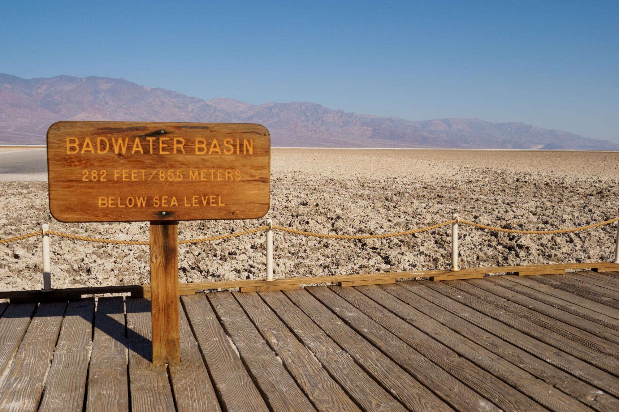 Death Valley Nationalpark - Badwater Basin - mit -85.5m der tiefste Punkt Nordamerikas