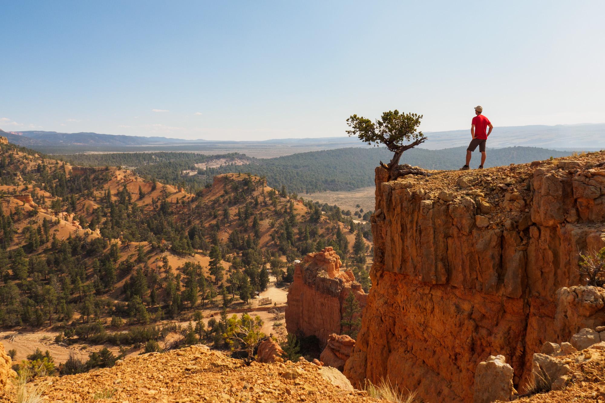 Red Canyon - Aussicht vom Arches Trail auf das Colorado Plateau