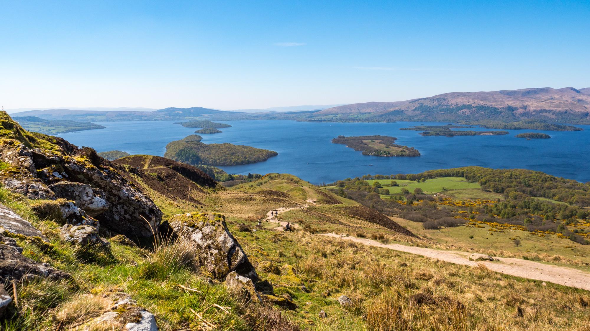 West Highland Way - Aussicht vom Conic Hill auf das Loch Lomond