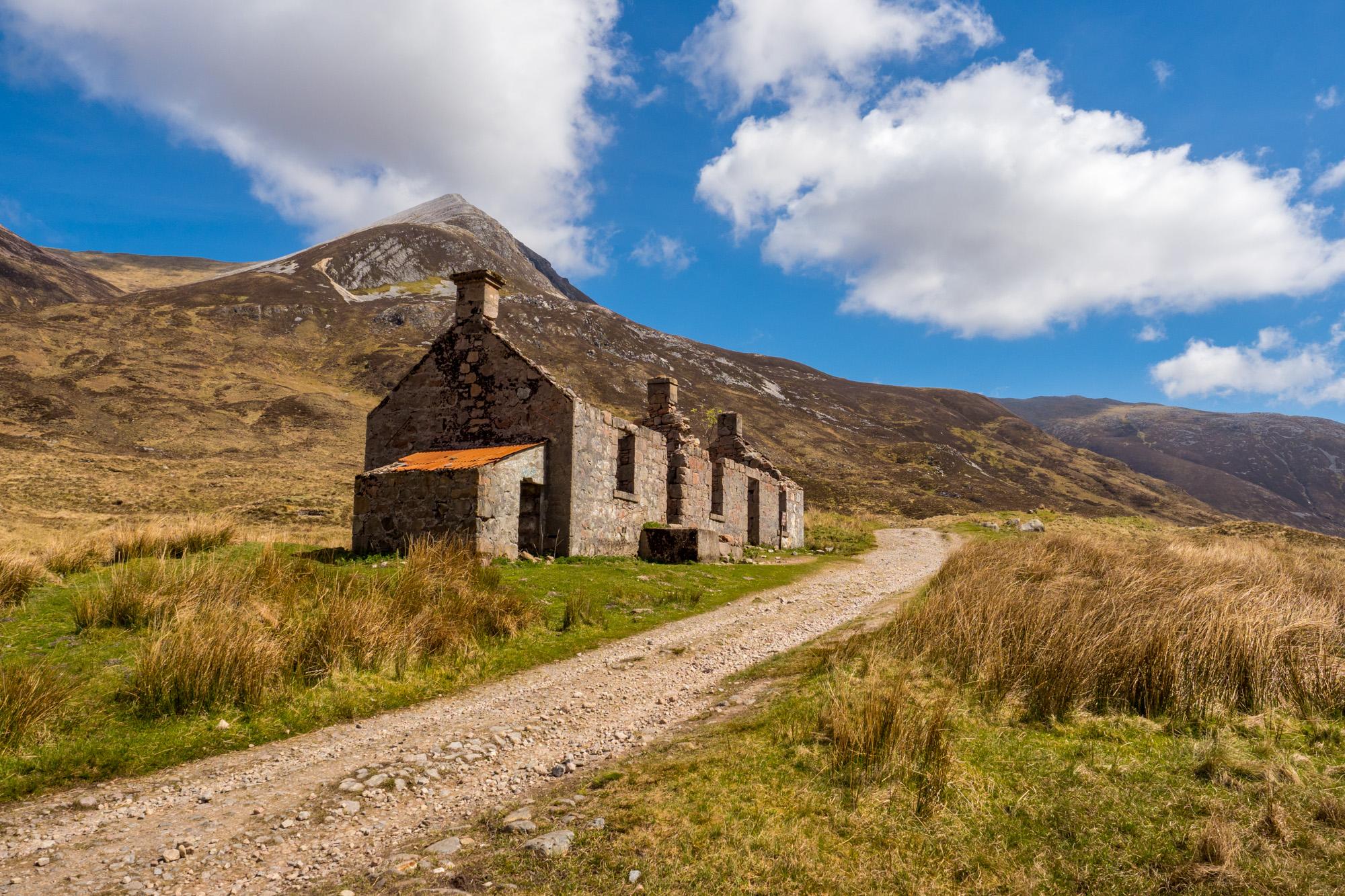 West Highland Way - Ruine bei Lairigmor