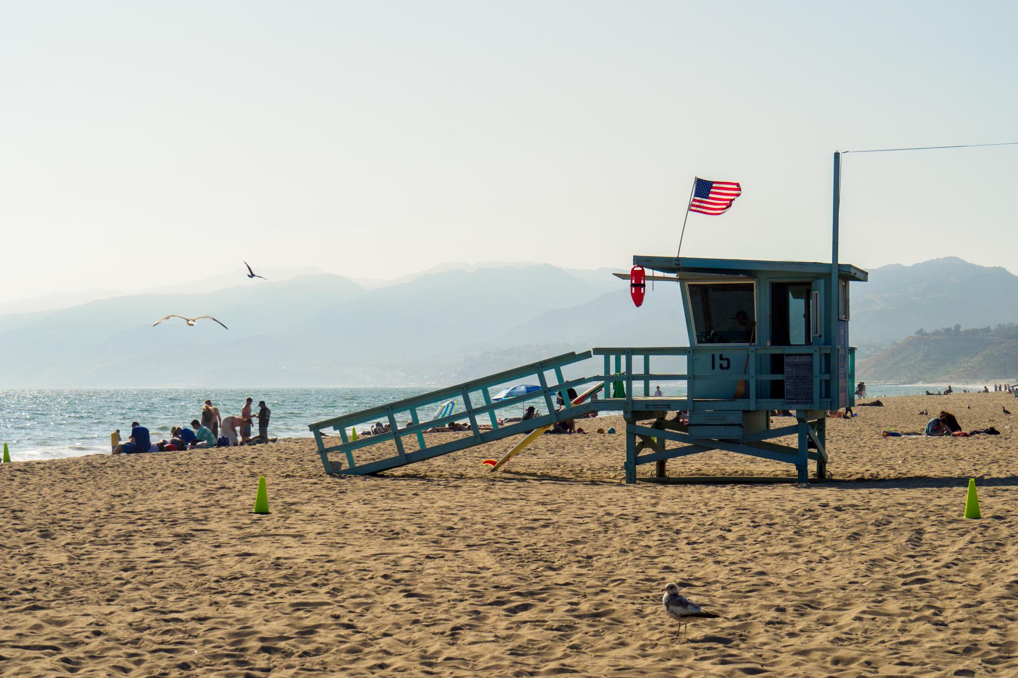 Los Angeles - Rettungsschwimmer-Häuschen am Santa Monica Beach
