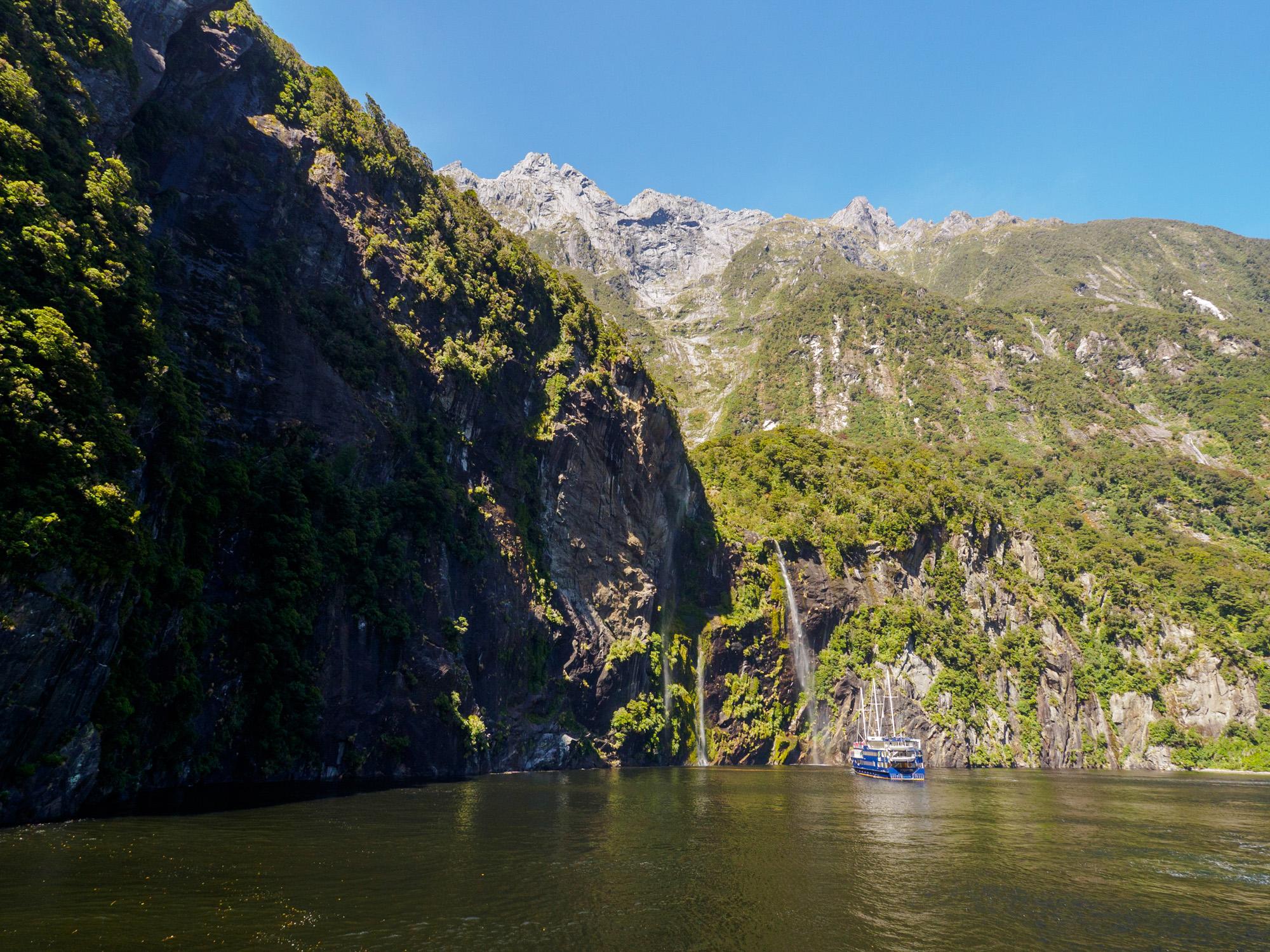 Milford Sound - Fairy Falls und Bridal Veil Falls