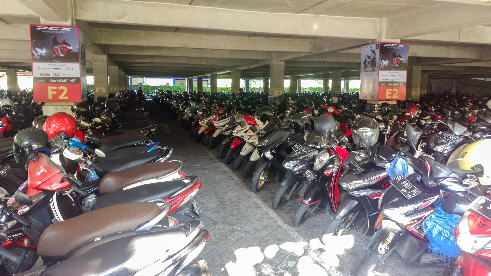 Denpasar - Roller-Parkplatz